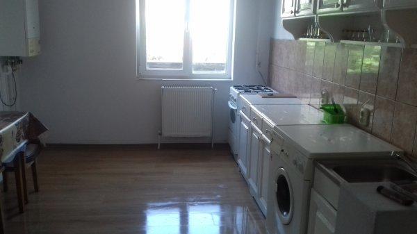 Apartament 4 camere decomandat zona Decebal, mobilat