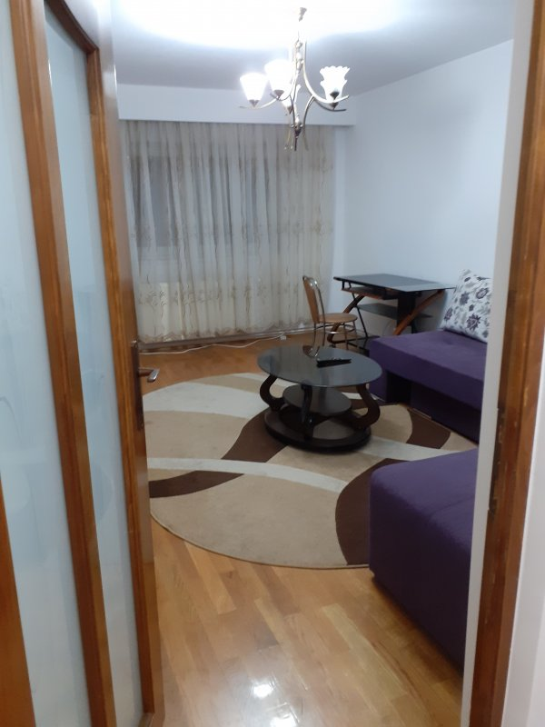 Apartament 2 camere decomandat,zona 22 Decembrie etaj intermediar