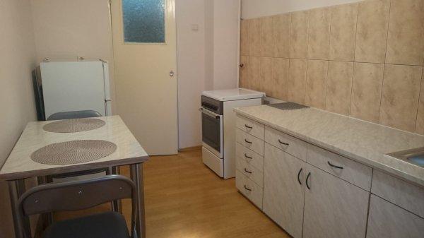 Apartament 2 camere decomandat, zona Decebal
