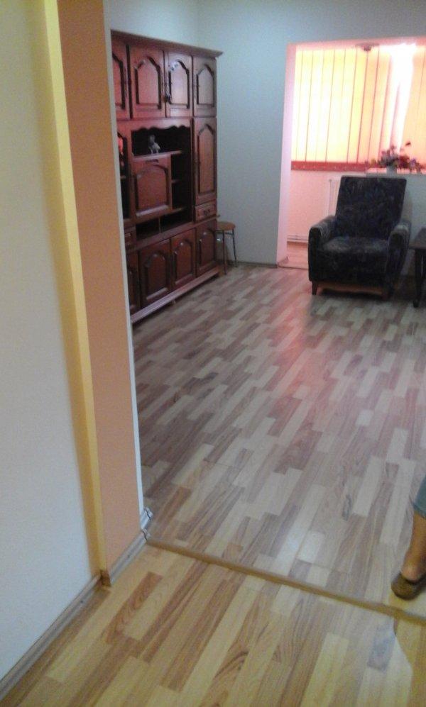 Apartament 4 camere decomandat, zona Decebal