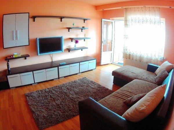 Apartament 2 camere mobilat, zona Casa de Pensii