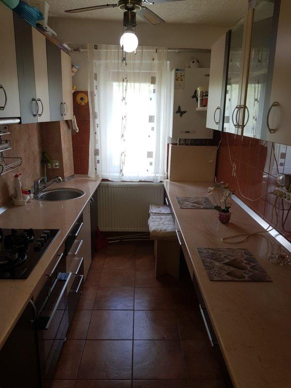 Apartament 2 camere semidecomandat, zona Bejan
