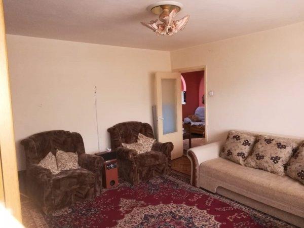 apartament 3 camere dec, zona Eminescu